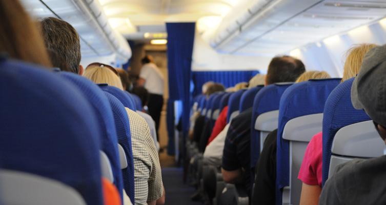 留学に向かう飛行機内
